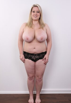 Blonde cutie pie manages to look sexy without concealing super voluptuous titties
